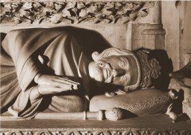 Dagobert'in mezarından bir detay Close up of Dagbert's monument. https://en.wikipedia.org/wiki/Dagobert_I